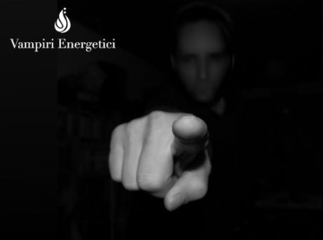 Critiche silenzio accuse ganci psichici vampiri energetici