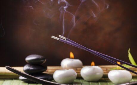incenso-candele-energie-negative